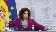 Finanzministerin María Jesús Montero wird tief in die Staatskasse greifen müssen, um Teile des enormen Defizits, das die Corona-Krise in die Sozialkassen gerissen hat, auszugleichen. Foto: EFE