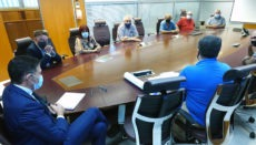 Vertreter der Stadt und der Interessengemeinschaft des Flohmarkts bei einem Treffen zur Besprechung zukünftiger Maßnahmen. Foto: AYTOSCT