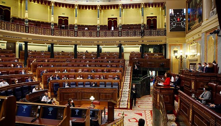 Finanzministerin María Jesús Montero bei der Debatte über den Staatshaushalt im Kongress Foto: EFE