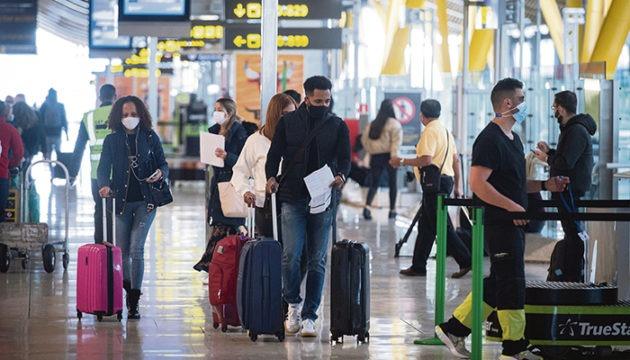 Wer ab dem 23. November 2020 nach Spanien einreist, muss sich 72 Stunden vor Reiseantritt einen PCR-Test unterziehen und ein negatives Testergebnis bei der Einreise am Hafen oder Flughafen vorlegen. Foto: efe