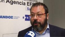 César Hernández von der spanischen Arzneimittelbehörde hält nichts vom Vorpreschen Großbritanniens, was den Beginn der Massenimpfung angeht. Foto: efe