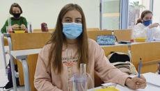 An der Deutschen Schule Santa Cruz de Tenerife wird im Physik-, Chemie- und Biologieunterricht experimentiert. Foto: DST