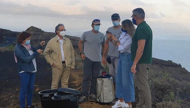 Auf den Klippen bei Punta de Agache wurden die in Gefangenschaft gezüchteten Rieseneidechsen durch Kletterprofis in unzugänglichem Gelände ausgewildert. Foto: Cabildo de El Hierro