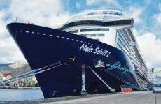Die Mein Schiff 2 im Hafen von Santa Cruz de Tenerife. Foto: puertos de tenerife