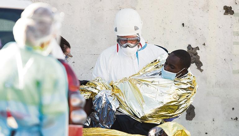 Fünf der Migranten mussten stationär behandelt werden. Foto: EFE