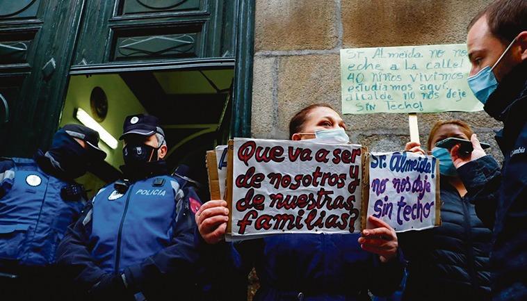 Proteste während einer Zwangsräumung in Madrid Foto: EFE