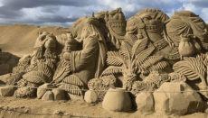 Die Sandkrippe ist jedes Jahr eine neue Überraschung in der Adventszeit. Dieses Jahr trägt sie die Handschrift von acht Künstlern. Unser Foto zeigt einen Auschnitt aus der Sandkrippe 2019. Foto: WB