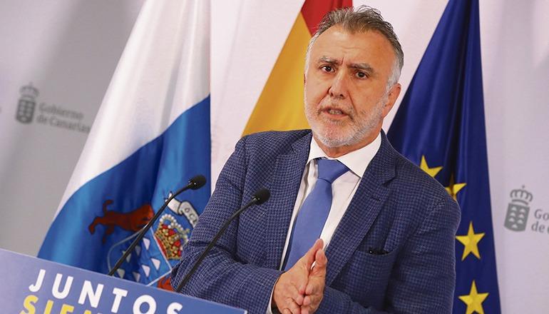 Regionalpräsident Ángel Víctor Torres richtete sich mit einem Appell an die Bevölkerung, die neuen Einschränkungen und Regeln zu befolgen. Foto: EFE