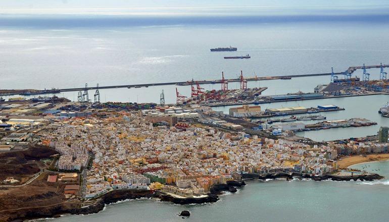Die Polizei entdeckte die gestohlenen Autos in Containern, die im Hafen von Las Palmas auf Gran Canaria umgeschlagen wurden. Foto: Fotos Aereas de Canarias