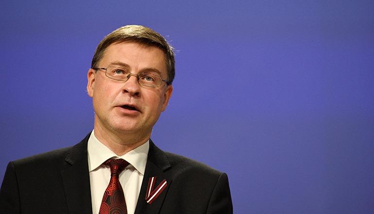 Der Vizepräsident und Kommissar für Handel der EU-Kommission Valdis Dombrovskis präsentierte in einer Pressekonferenz die Meinung der Kommission zu den Haushaltsplänen. Foto: EFE