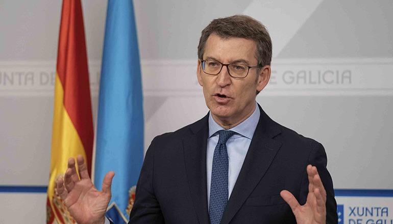 Alberto Núñez Feijóo, der Präsident von Galicien, will angesichts der Krise den Gürtel enger schnallen und kritisiert die Gehaltserhöhungen für den Präsidenten und die Minister der spanischen Regierung. Foto: EFE