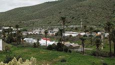 """Nach dem starken Regen, den der Wintersturm """"Filomena"""" Anfang Januar auf die Inseln brachte, wird befürchtet, dass die Zustände in den Zelten, die auf dem ehemaligen Militärgelände auf der nackten Erde aufgebaut wurden, katastrophal sind. Foto: efe"""