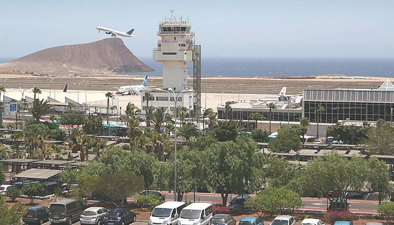 Neben Benzin und Hotelzimmern wurden auch internationale Flüge im vergangenen Jahr günstiger. Foto: EFE