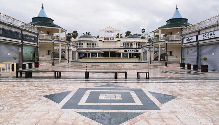 Verwaistes Einkaufszentrum in Playa de las Américas während des Lockdowns im April 2020 Foto: EFE