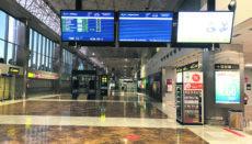 Ein trostloser Anblick. Am 1. Februar war es am sonst so betriebsamen Südflughafen von Teneriffa ungewohnt ruhig. Auf der Anzeigentafel für Abflüge standen lediglich acht Flüge, davon zwei regionale, ein nationaler und fünf internationale. Foto: Moisés Pérez