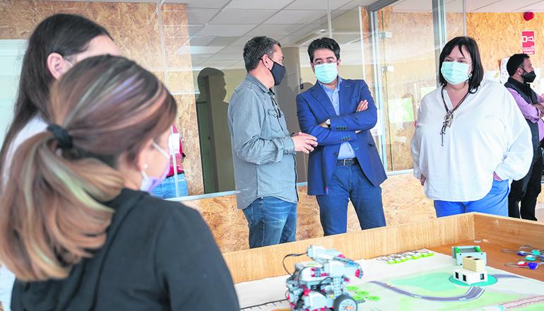 Cabildo-Präsident Pedro Martín besuchte das SOS Kinderdorf. Foto: Cabildo de Tenerife
