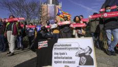 Wegen der Haftstrafe für den Rapper Pablo Hásel gibt es Proteste in Barcelona und in Brüssel. Foto: EFE