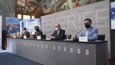 """Pedro Martín (2.v.l.) bei der Präsentation des """"Aviation Event 2021"""" Foto: Cabildo de Tenerife"""