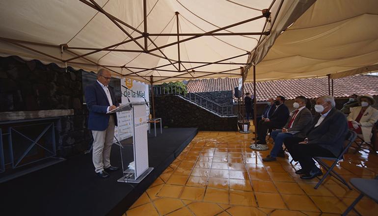 """Der Festakt zum 25-jährigen Bestehen des Honigmuseums wurde im Hof der """"Casa del Vino"""" in El Sauzal, das auch der Sitz der """"Casa de la Miel"""" ist, abgehalten. Foto: CabTF"""
