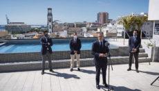 """Ein Hotel mitten in der Pandemie zu eröffnen klingt äußerst waghalsig. Doch Antonio Catalán, Gründer und Präsident der Hotelkette AC Hoteles, hat langjährige Erfahrung und verbreitete bei der Eröffnung Zuversicht: """"2019 war ein hervorragendes Jahr, und obwohl wahr ist, dass 2020 desaströs war und auch dieses Jahr nicht besser wird, werden weitere Jahre kommen, 2022, 2023... und AC wird hier sein"""". Antonio Catalán gründete 1978 auch die erfolgreiche Hotelkette NH Hotel Group, die er 1997 verkaufte. Foto: EFE"""