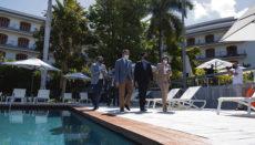 Santa Cruz' Bürgermeister José Manuel Bermúdez und Cabildo-Präsident Pedro Martín besuchten das Hotel zur Wiedereröffnung. Foto: EFE