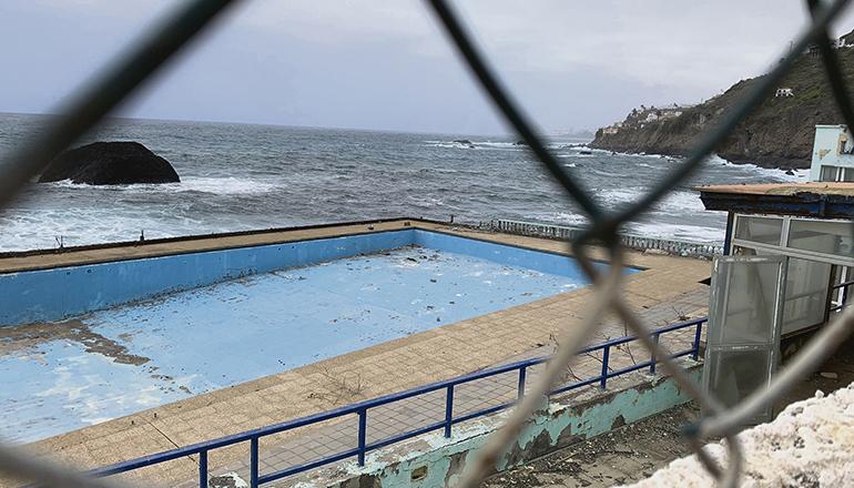 Das öffentliche Schwimmbad ist seit dem Jahr 2010 geschlossen. Foto: wb