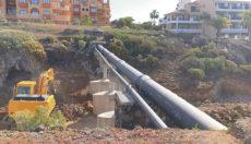 Mit der Straße wird der Barranco überbrückt, der die beiden Touristenzentren von San Miguel trennt. Foto: AYto San Miguel