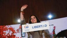 Isabel Díaz Ayuso bei einer Wahlkampfveranstaltung in Alcorcón Foto: efe
