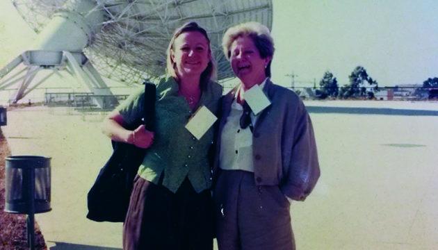 Die beiden Firmengründerinnen Teresa von Levetzow (l.) und Hannelore Lindner 1992 bei der Einweihung des Museums der Wissenschaft und des Kosmos in La Laguna durch den damaligen Thronfolger Prinz Felipe
