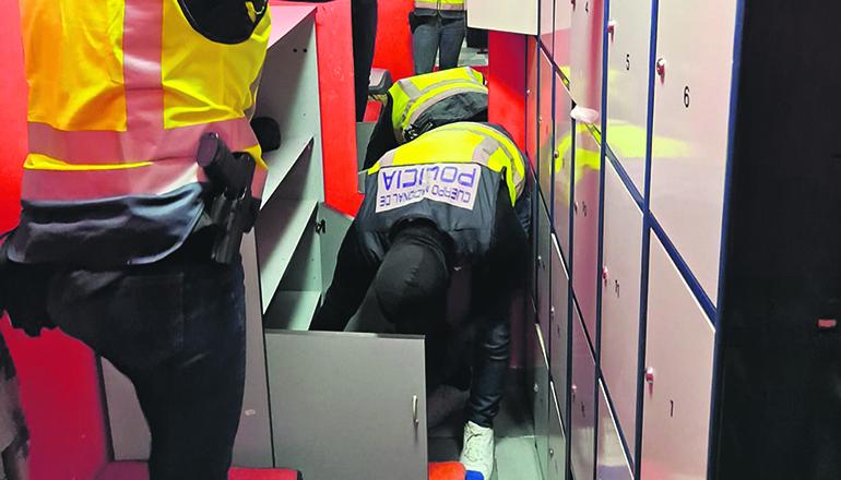 Bei der Razzia wurden mehrere Personen festgenommen und ihre Opfer befreit. Foto: Policía Nacional