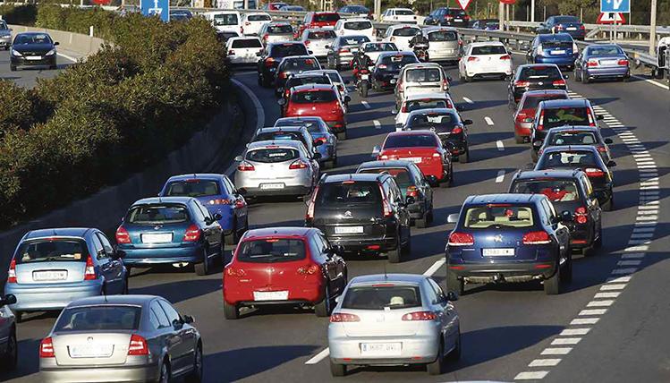 Laut dem Bericht der European Automobile Manufacturers' Association, ACEA, nimmt der spanische Staat im Durchschnitt pro Jahr und Fahrzeug 1.068 Euro ein. Foto: EFE