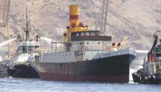 Nach 22 Jahren im Trockendock wurde das Schiff aus dem Jahr 1912 am 14. Juni 2008 in den Hafen von Santa Cruz de Tenerife geschleppt. Foto: EFE