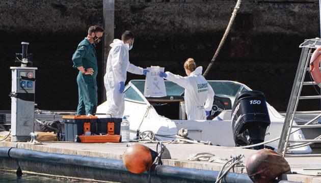 Spurensicherung auf dem Boot von Tomás Gimeno Foto: EFE