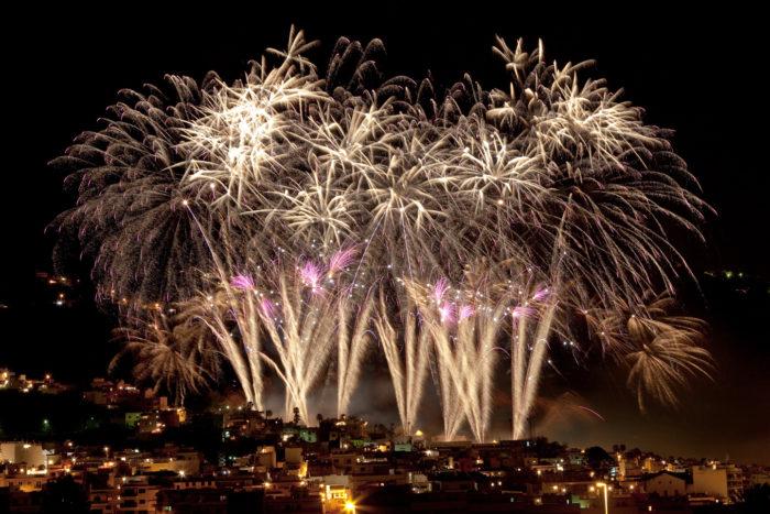 Feuerwerk Dia de la Cruz in Los Reaelejos. FOTO: Ayuntamiento Los Realejos