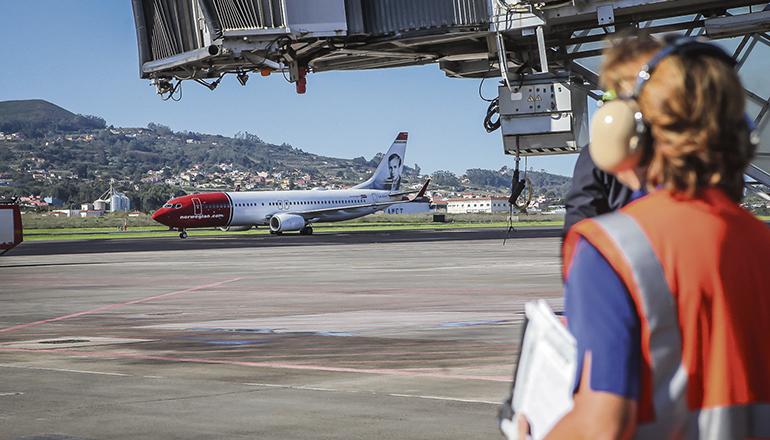 Eine Maschine von Norwegian auf dem Flughafen Teneriffa Nord Foto: EFE