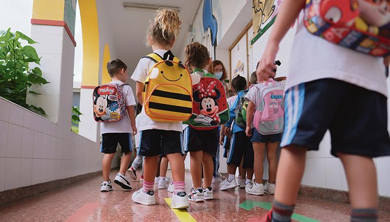 Von den Vorschulkindern bis hin zu den Abiturienten und Berufsschülern sollen ab September 2021 wieder alle Kinder und Jugendlichen vollständig in den Schulen unterrichtet werden. Foto: EFE