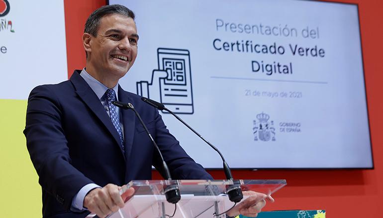 """Sánchez stellte auf der Fitur das """"Certificado Verde Digital"""" (digitaler grüner Nachweis) vor, das ab 1. Juli gültig ist. Foto: EFE"""