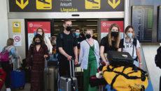 Touristen bei der Ankunft am 7. Juni Foto: EFE