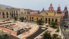 """Der Rathausplatz wurde im Jahr 1912 eingeweiht. Einmal im Jahr verwandelt er sich in ein riesiges Kunstwerk. Zu Corpus Christi wird auf dem 900 qm großen Platz ein riesiges """"Gemälde"""" angefertigt. Foto: ayuntamiento de la orotava"""
