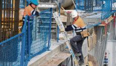 Zeitlich befristete Arbeitsverträge für bestimmte Bauprojekte können missbraucht werden, um eine Festanstellung der Mitarbeiter zu umgehen. Foto: EFE