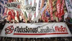 Angestellte der CaixaBank protestieren gegen Entlassungen. Foto: EFE