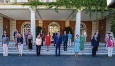 Die neue, verjüngte Regierung von Pedro Sánchez setzt sich aus 14 Ministerinnen und neun Ministern zusammen. Foto: efe