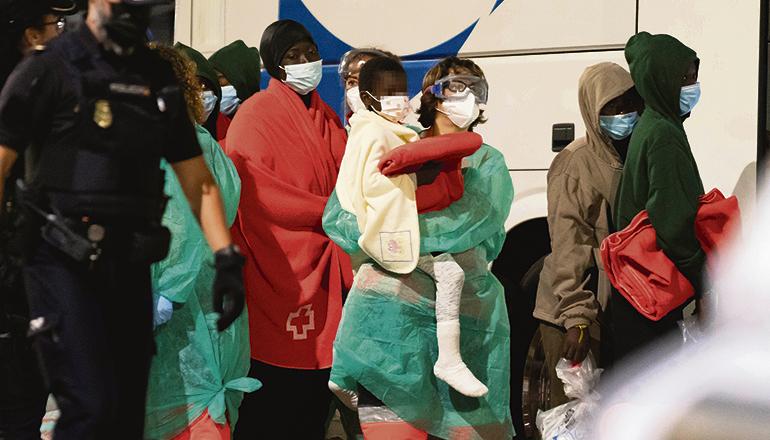 Die Mitreisenden Fatmates wurden 2 Tage später auf Gran Canaria an Land gesetzt. Foto: EFE