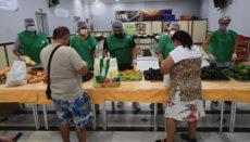Die Zahl der Menschen, die Suppenküchen aufsuchen müssen, ist im Zuge der Pandemie enorm gestiegen. Foto: EFE