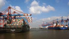 Containerschiffe: In vielen Branchen ist der Nachschub ins Stocken geraten und die Produktion gefährdet. Foto: EFE