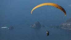 Durch den konstanten Passatwind bietet El Hierro und im Speziellen das Tal von El Golfo ideale Bedingungen für Gleitschirmflieger. Foto: cabildo de El Hierro