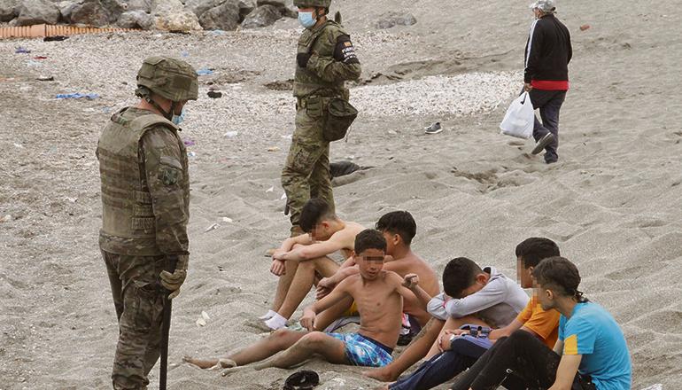 Im Mai waren bei dem Ansturm auf Ceuta auch Kinder und Jugendliche in Scharen über die Grenze in die spanische Exklave gekommen. Foto: efe