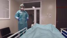 """Der Betrachter wird zum Patienten und soll sich die Frage stellen: """"Was wäre wenn?"""" Das VR-Video zeigt zwei mögliche Szenarien. Foto: SCS"""