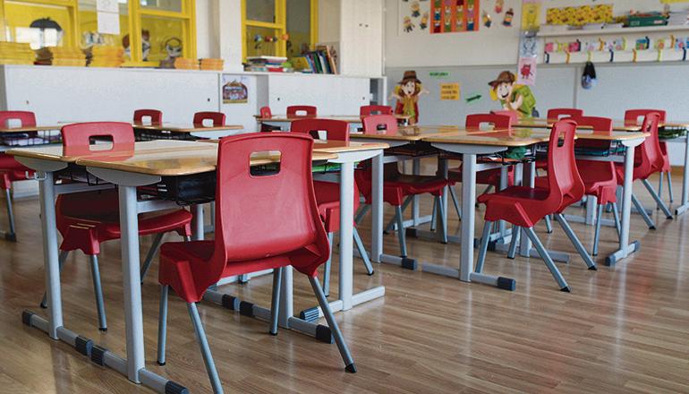 Kurz vor dem Start ins neue Schuljahr ist klar, dass die Schulen geöffnet bleiben. Kinder bis zur Jahrgangsstufe 6 werden in feste Gruppen eingeteilt. Foto: EFE