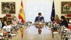 Präsident Sánchez leitete die erste Ministerratssitzung nach der Sommerpause, in welcher der erste Teil der Rentenreform verabschiedet wurde. Foto: EFE